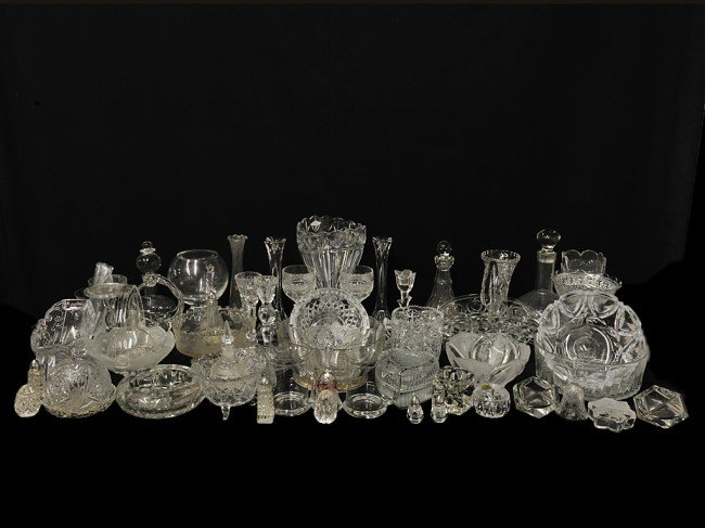 19: A LOT OF MISCELLANEOUS CLEAR GLASS PIECES 55 pieces