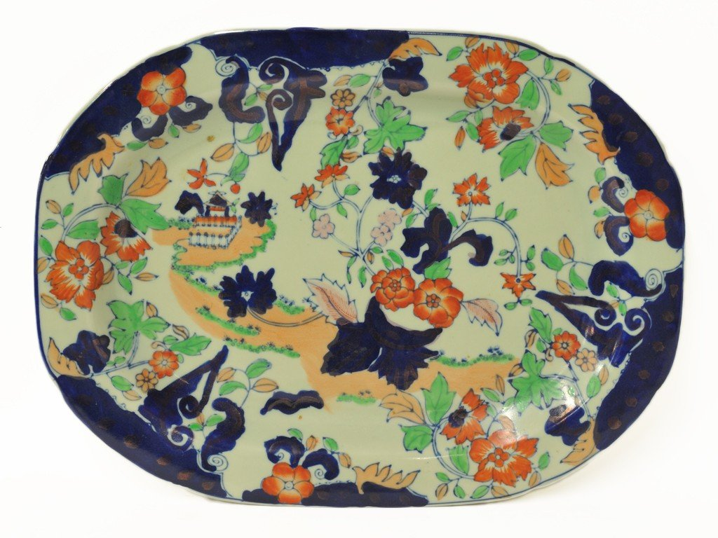 2: A HANDPAINTED IRONSTONE PLATE WITH CELADON GROUND