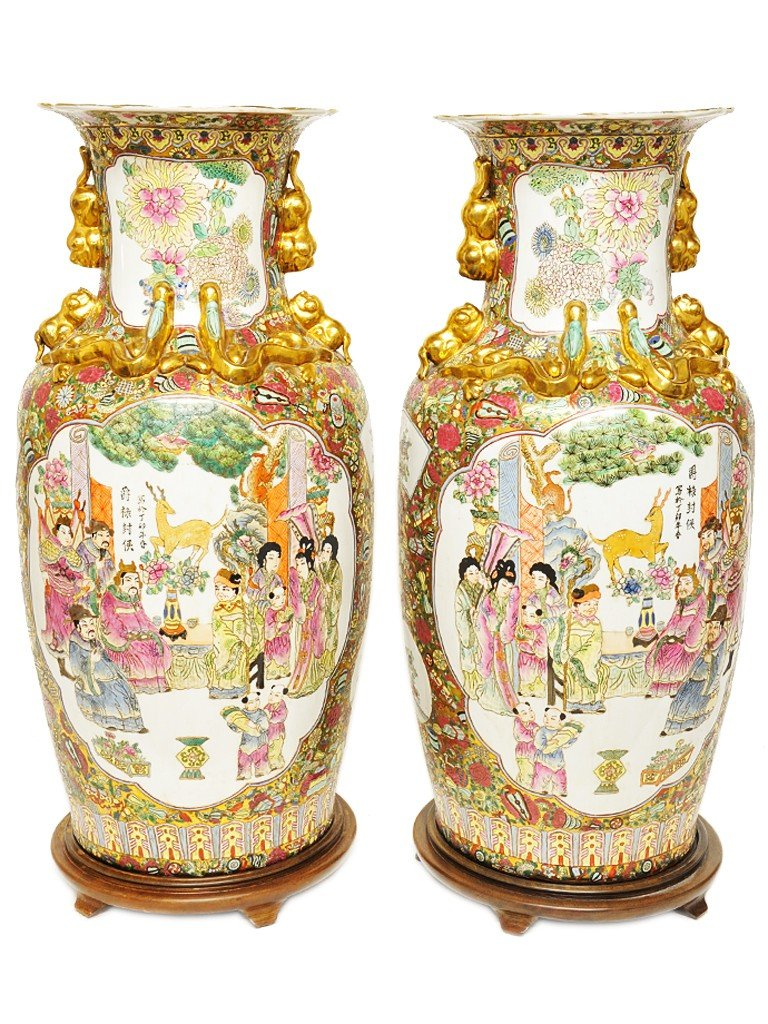 4: A PAIR OF LARGE CHINESE ROSE MEDALLION MAJOLICA VASE