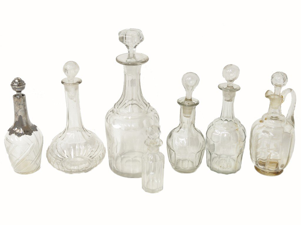 17: A GROUP OF SEVEN FRENCH DECANTERS, BOTTLES 19th Cen