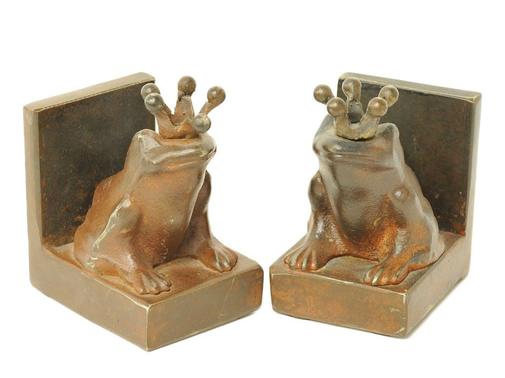 13: A PAIR OF SOLID IRON CROWNED FROG BOOKENDS, Made by