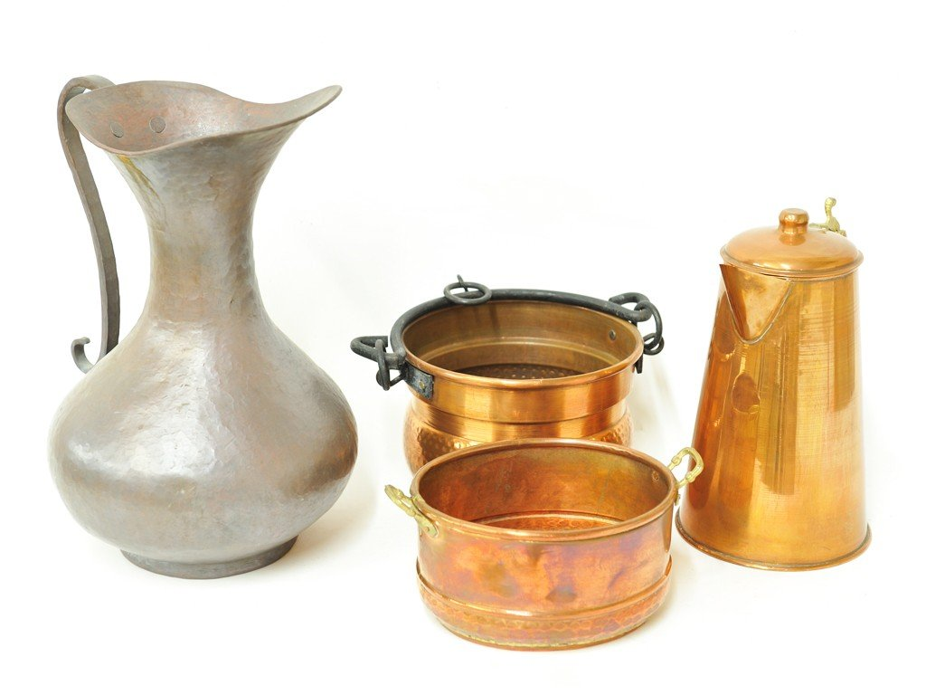 9: A GROUP OF COPPER PIECES WITH IRON AND BRASS HANDLES