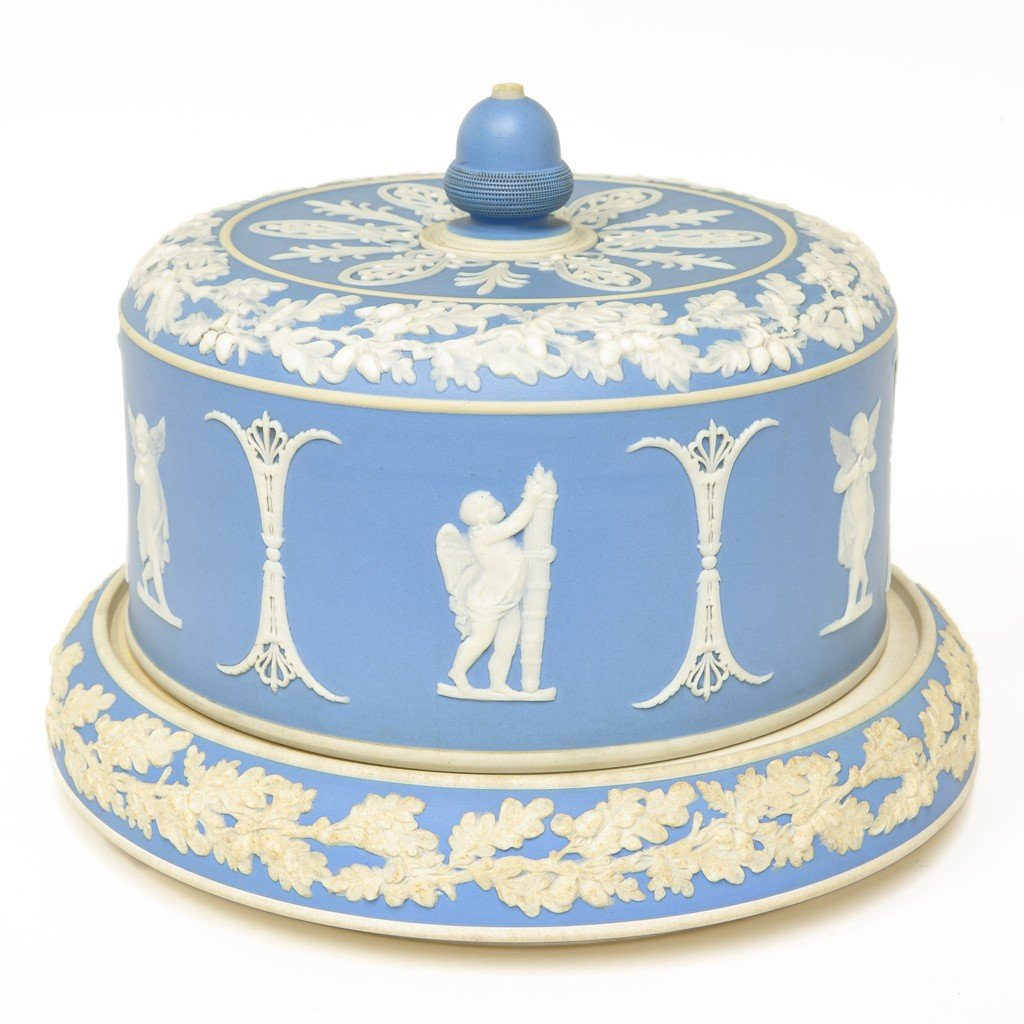 A WEDGWOOD RAISED SWEETS OR CHEESE PLATE WITH COVER, 19