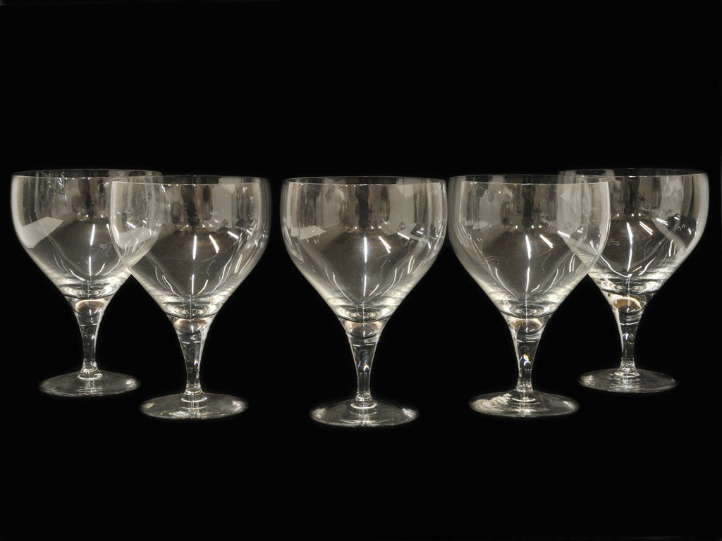 19: A GROUP OF FIVE ROSENTHAL WATER GOBLETS 5 pieces