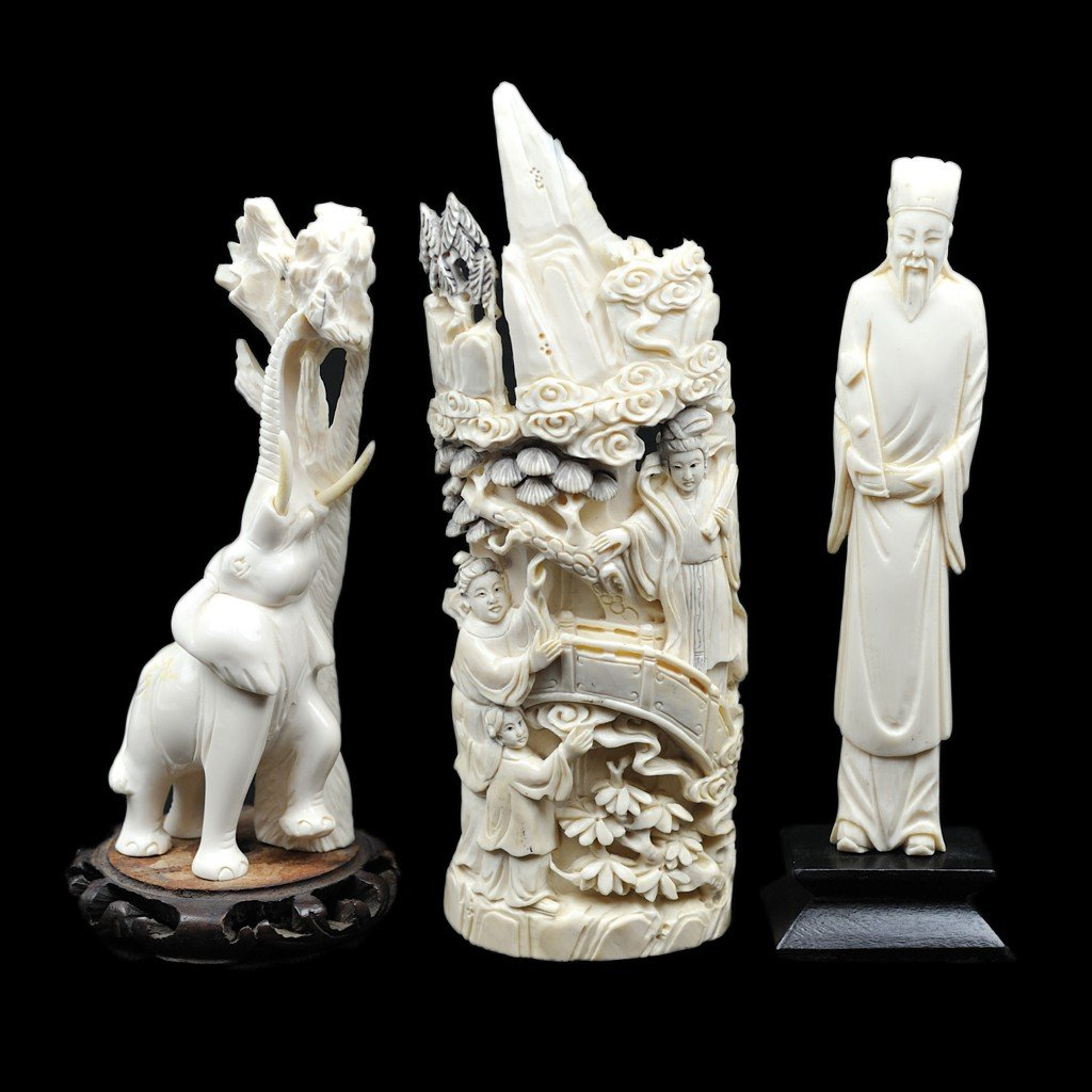 99: A GROUP OF THREE IVORY CARVINGS 3 pieces