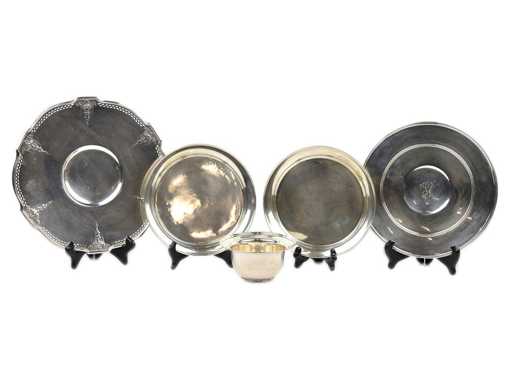 6: A MISCELLANEOUS GROUP OF FIVE STERLING SERVING PIECE