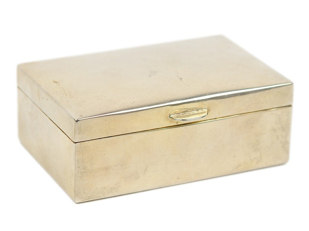 """8: A STERLING SILVER BOX no maker's mark; stamped """"""""Ste"""