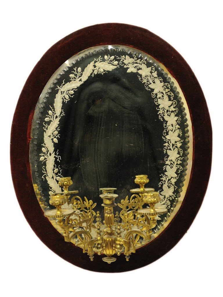 10: 19th CENTURY ETCHED GLASS MIRROR WITH BRASS CANDELA