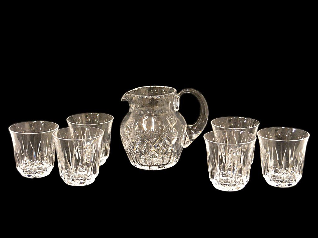 5: A CUT GLASS PITCHER AND SIX GLASSES 7 pieces