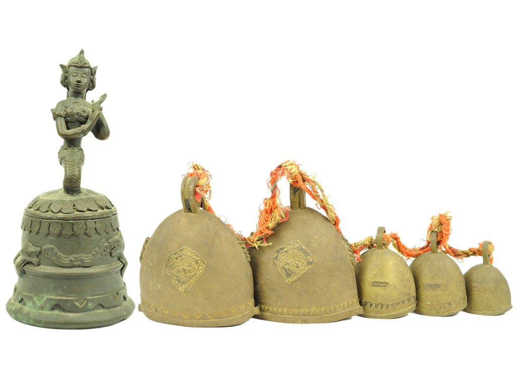 1: FIVE INDONESIAN GRADUATED BRASS BELLS AND AN INDONES