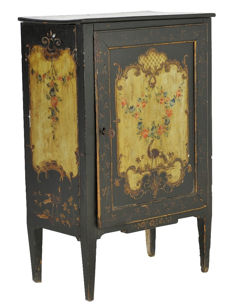 118: A VENETIAN PAINTED CABINET