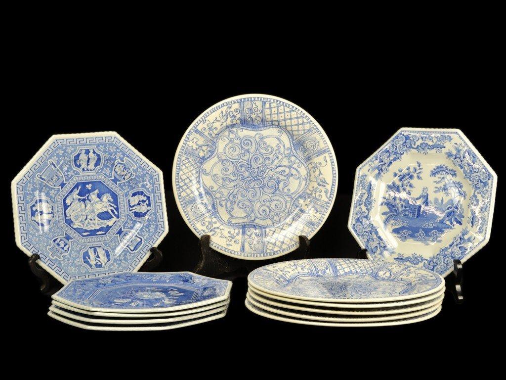 15: A GROUP OF 12 DINNER PLATES, SIX SPODE PORCELAIN BL