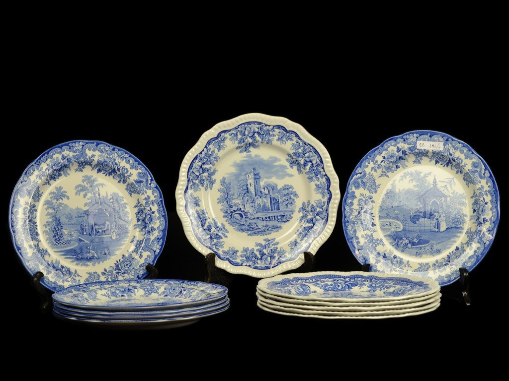 16: A GROUP OF TWELVE SPODE PORCELAIN BLUE AND WHITE DI