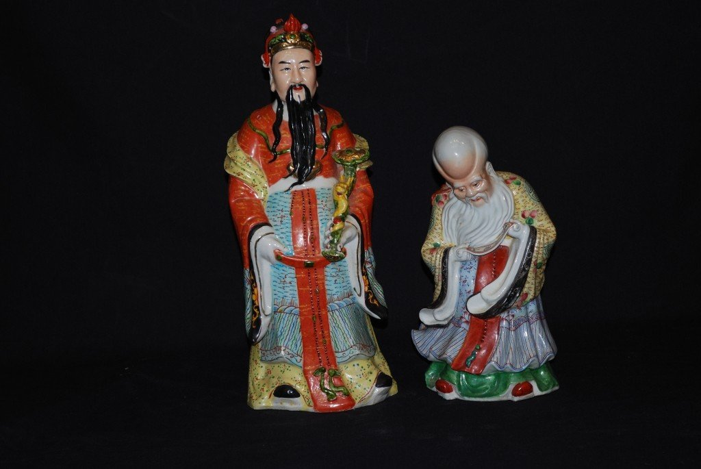 11: A PAIR OF VINTAGE CHINESE CERAMIC SCHOLAR STATUES