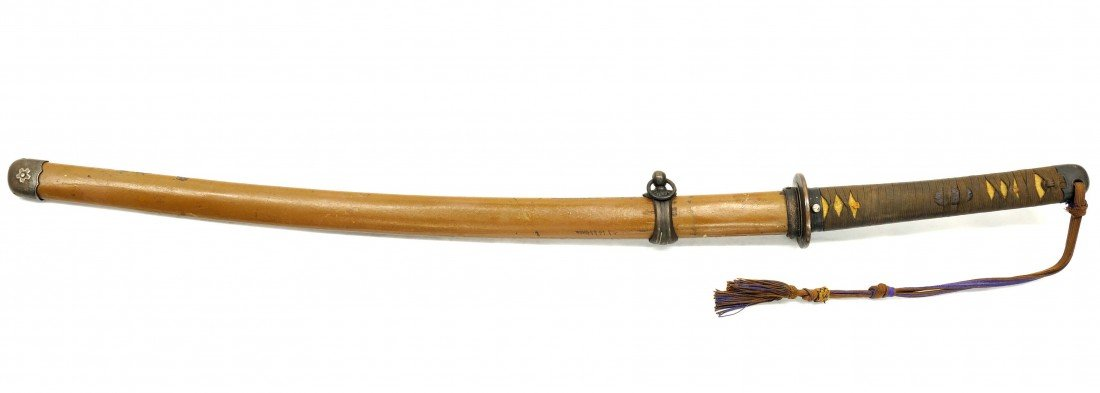 10: A JAPANESE ARMY OFFICER SWORD