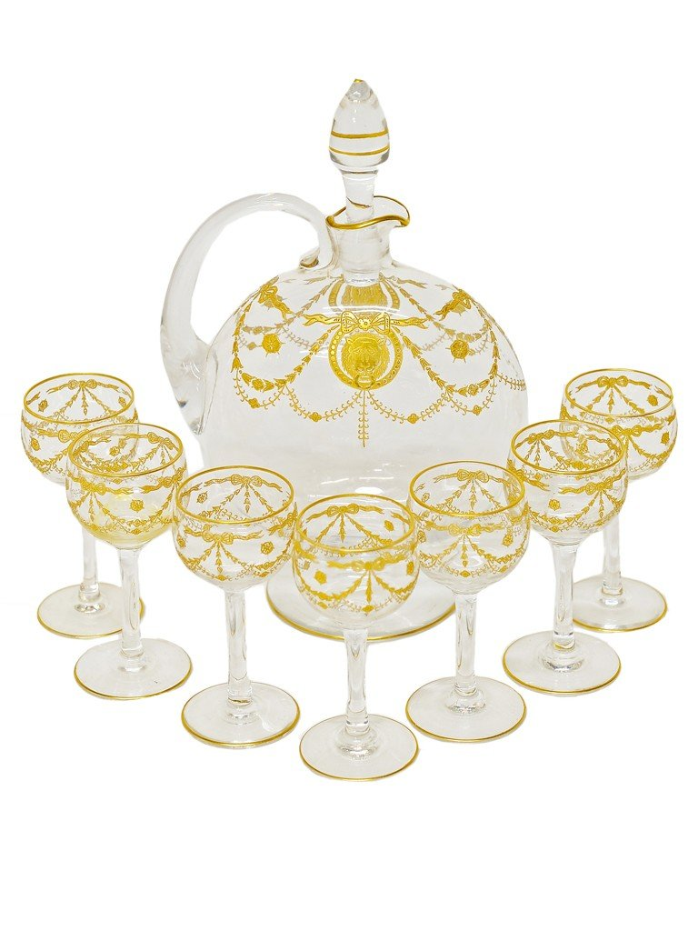 12: AN EIGHT-PIECE CONTINENTAL ETCHED AND GILDED GLASS