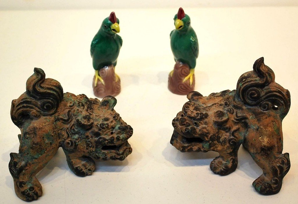 6: A PAIR OF METAL FOO DOGS & A PAIR OF CHINESE CERAMIC