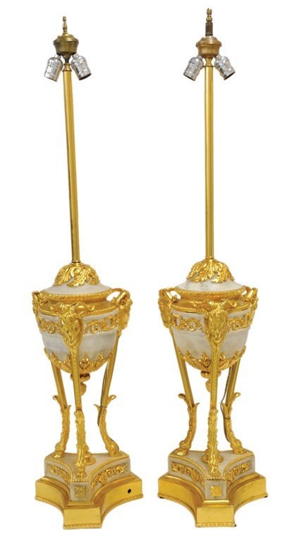 21: A LARGE PAIR OF DIRECTOIRE STYLE CARRARA MARBLE AND