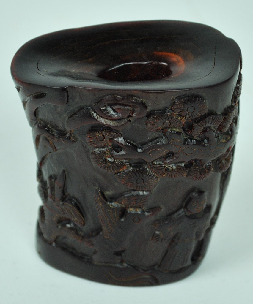 9: A MOERN CHINESE CARVED HORN PAPERWEIGHT