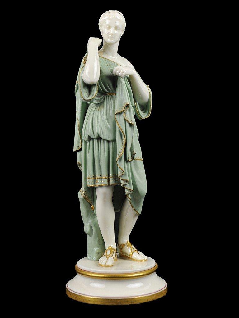 19: A VINTAGE ROMAN TOGA CLAD PORCELAIN FIGURE