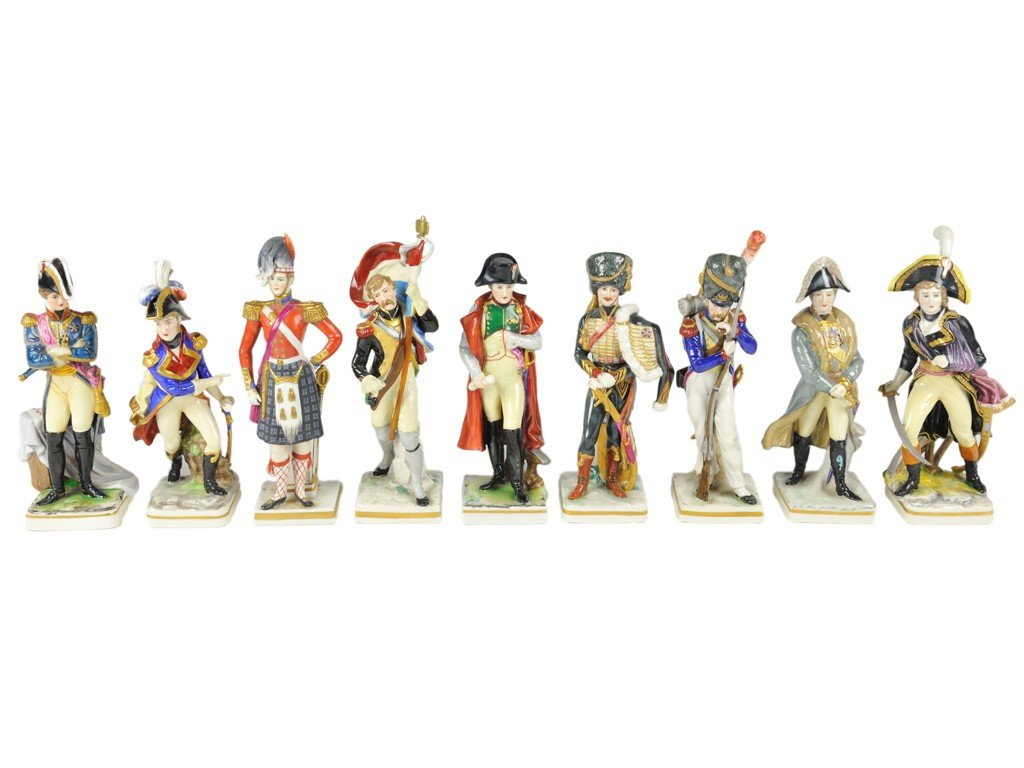 2: A GROUP OF ANTIQUE FRENCH PORCELAIN MILITARY SOLDIER
