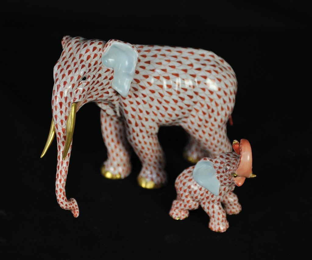 A PAIR OF HEREND PORCELAIN ELEPHANT FIGURES