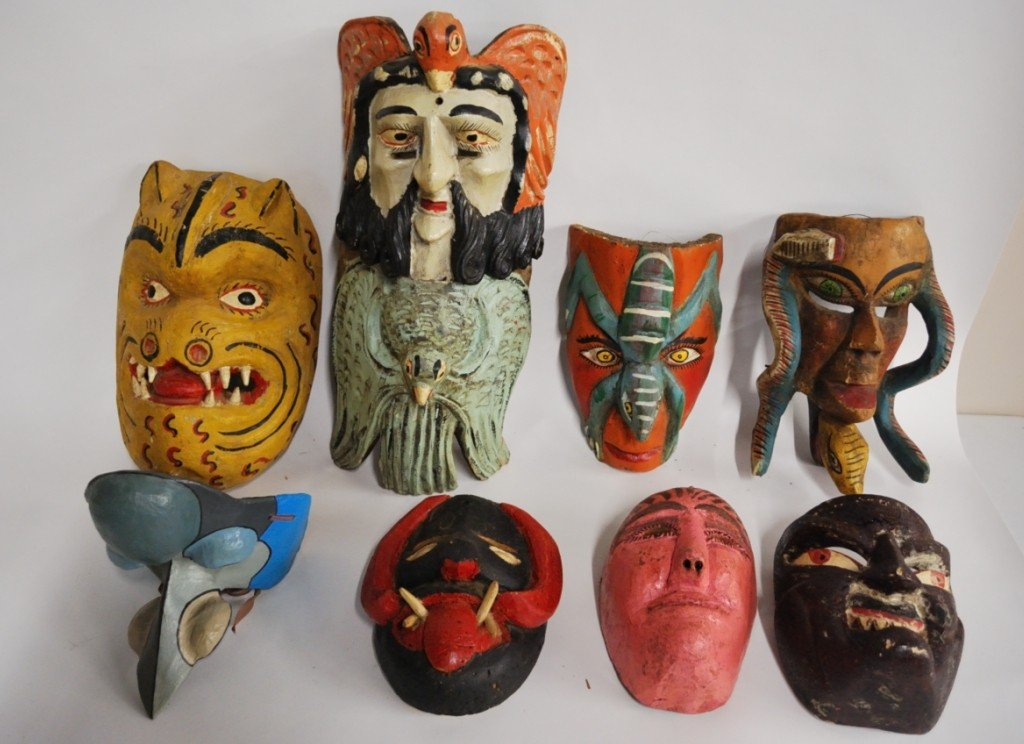 A GROUP OF DECORATIVE AND ETHNOGRAPHIC MASKS 8 PCS.