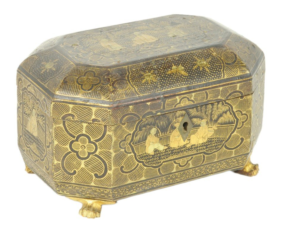10: OCTAGONAL FOOTED EXPORT LACQUER WEAR TEA CADDY Chin
