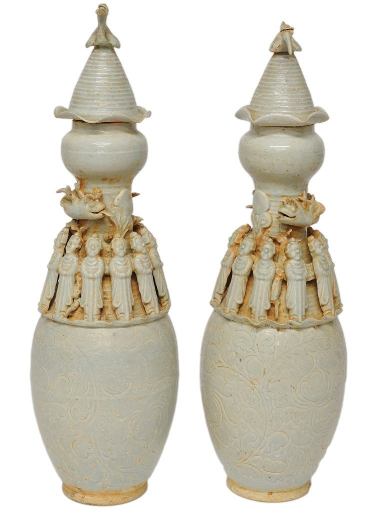 20: A PAIR OF CHINESE SUNG DYNASTY STYLE CELADON FUNERA