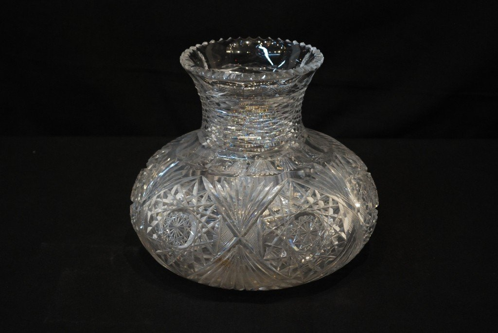 5: AN ANTIQUE AMERICAN CUT GLASS VASE