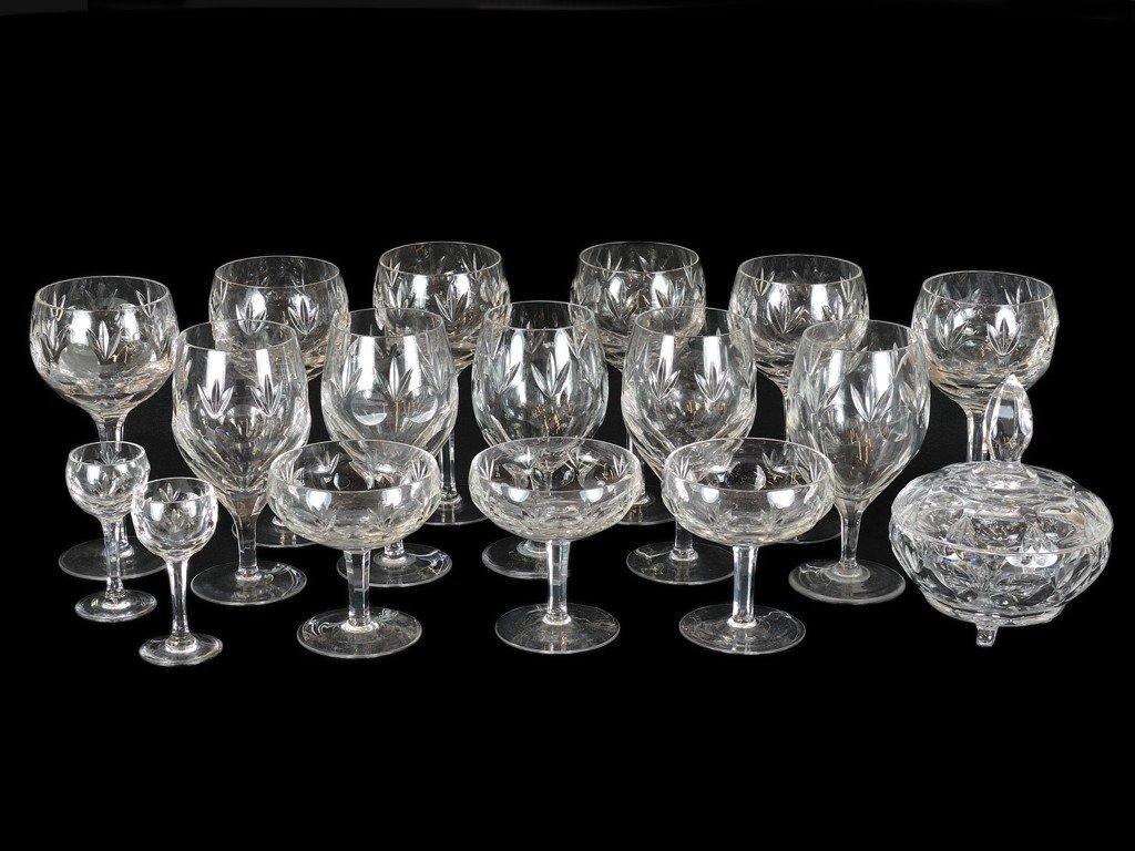 9: A SET OF CUT GLASS STEMWARE 17 pieces
