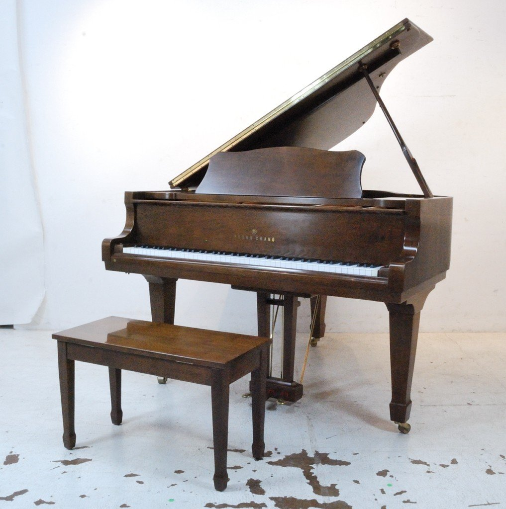 169: YOUNG CHANG, A FINE WALNUT BABY GRAND PIANO
