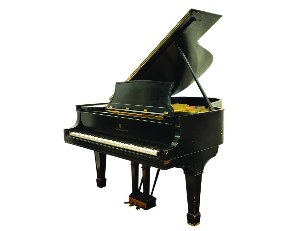 15: A STEINWAY GRAND PIANO New York, 1912 6ft 1in.