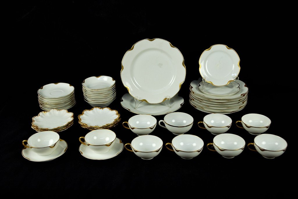 13: 45 PIECES OF HAVILAND LIMOGES CHINA