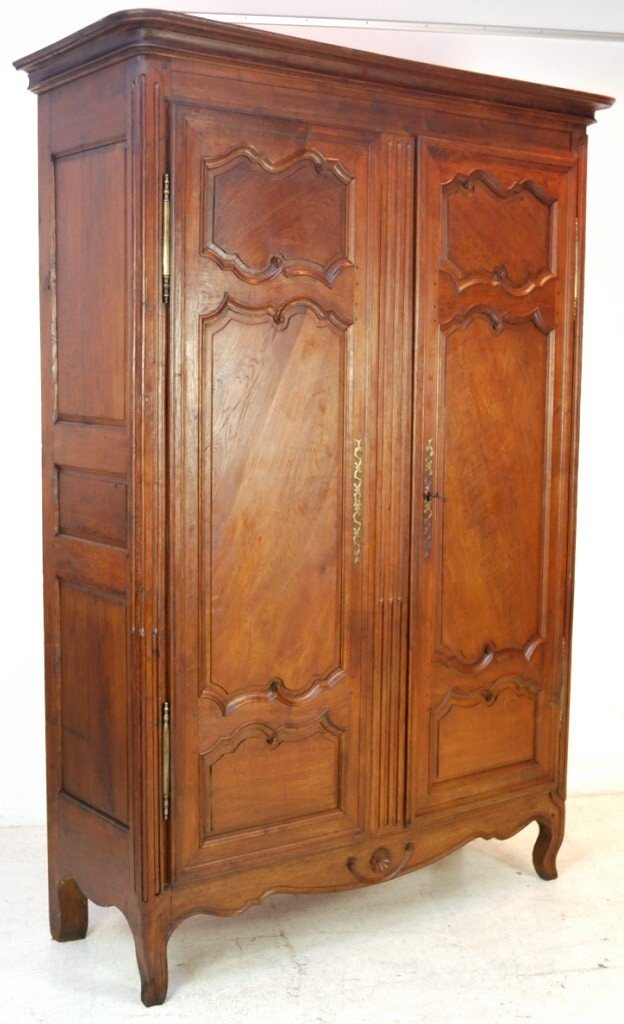 143: LOUIS XV STYLE OAK ARMOIRE Late 18th / Early 19th
