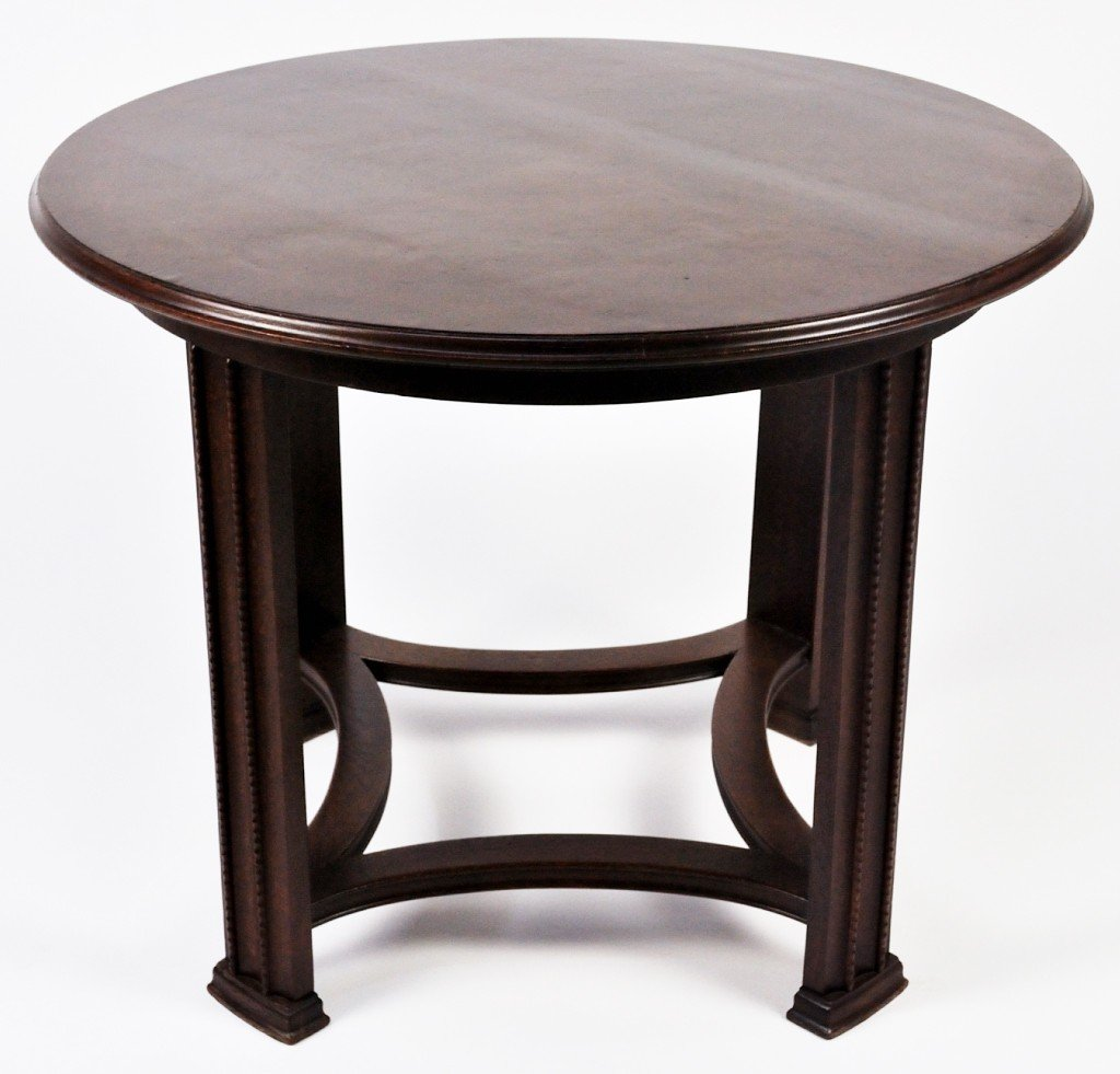 9: ARTS AND CRAFTS OAK TABLE