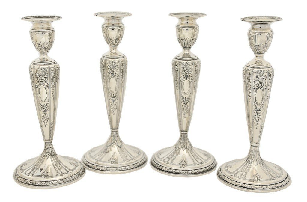 2: A SET OF FOUR GORHAM STERLING SILVER CANDLESTICKS Am