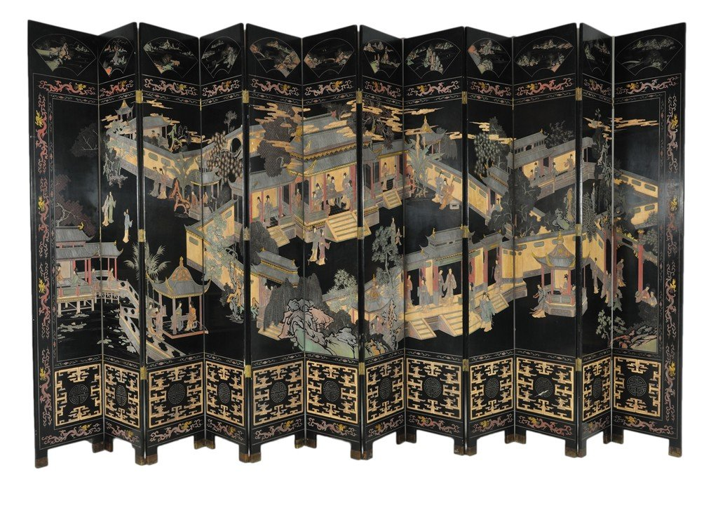 16: A PALATIAL CHINESE TWELVE PANEL INCISED BLACK LACQU