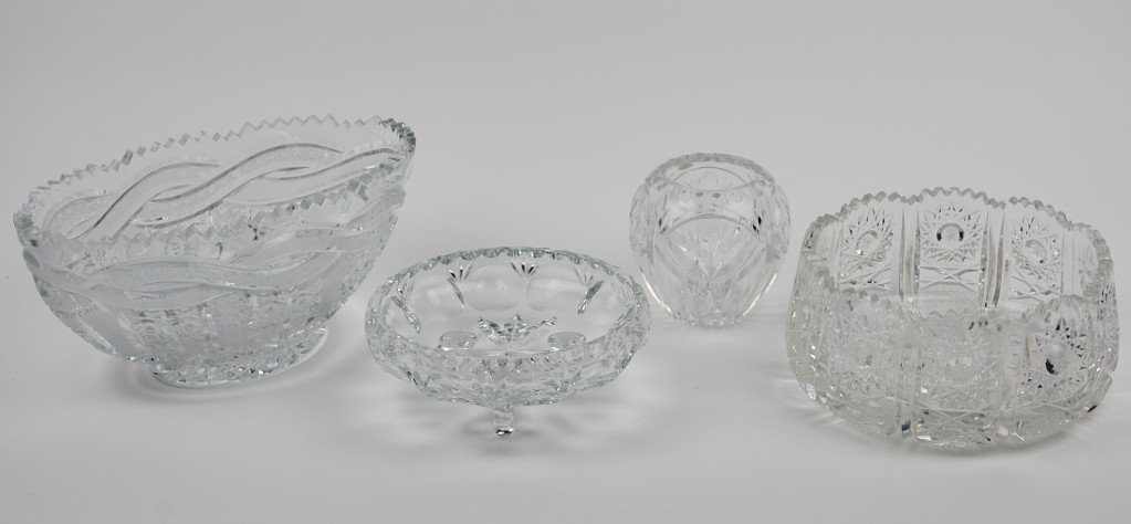 8: FOUR PIECES OF CUT CRYSTAL BOWLS
