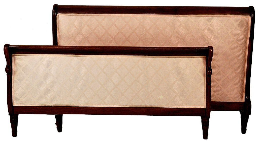 19: CHAMPAGNE UPHOLSTERED WALNUT BED WITH CARVED SWAN M