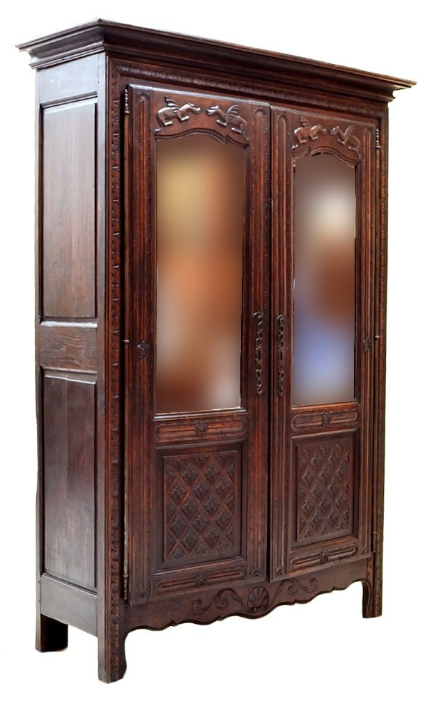 128: BRITTANY STYLE OAK ARMOIRE WITH MIRRORS