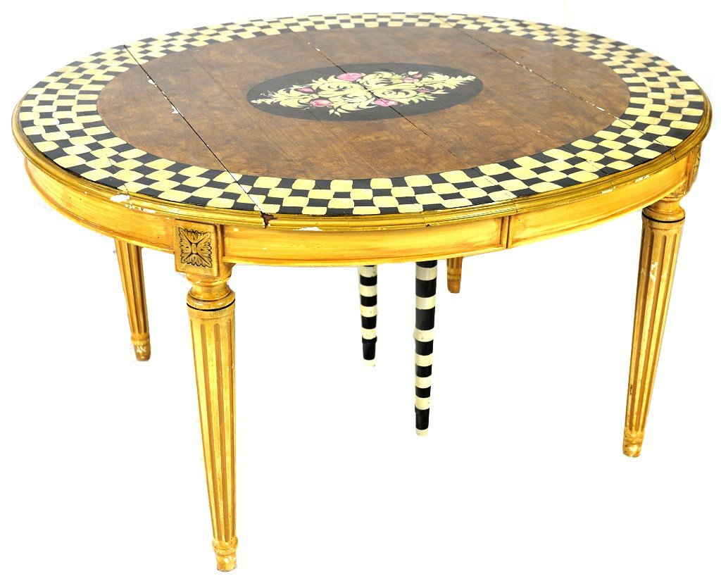 17: A LOUIS XVI STYLE OVAL TABLE WITH DECORATIVE PAINT