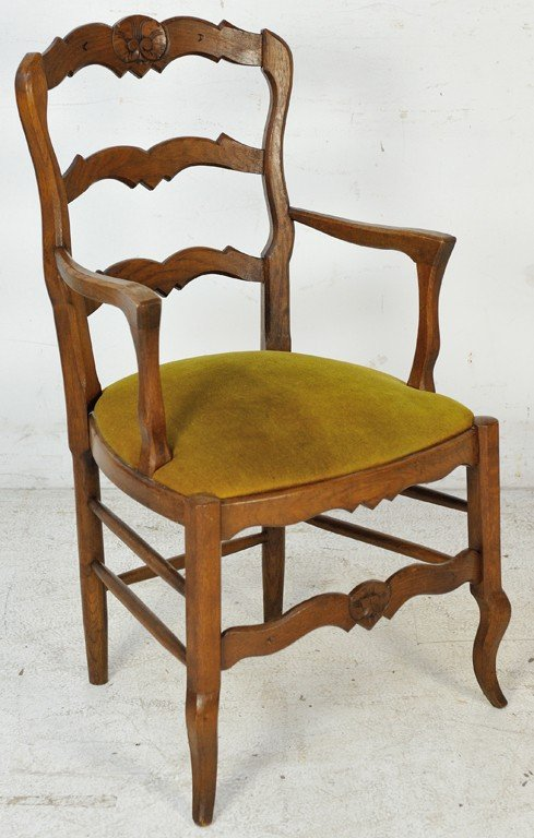 18: LOUIS XV STYLE OAK ARMCHAIR WITH UPHOLSTERED SEAT E