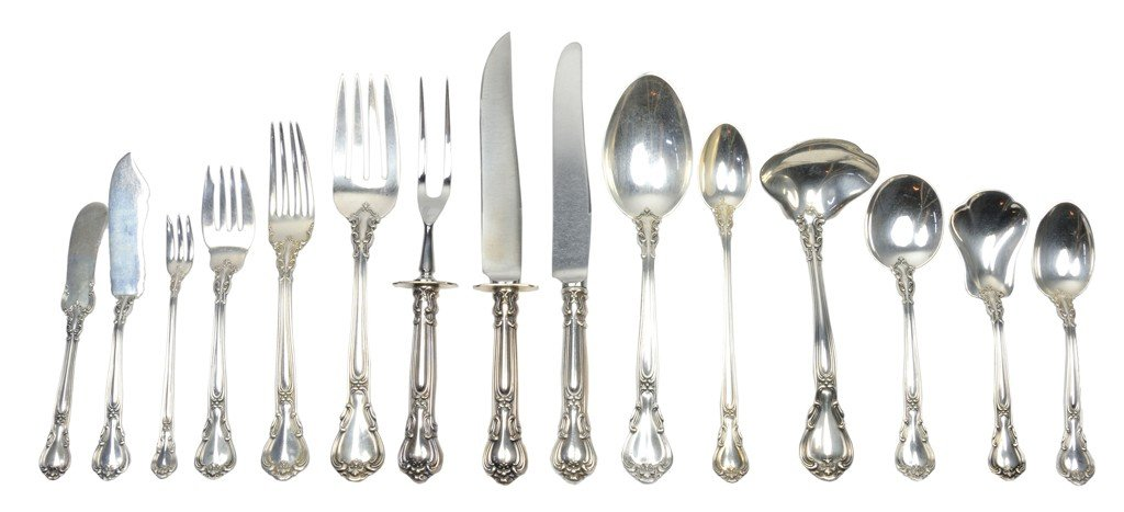 7: A 115-PIECE SET OF GORHAM STERLING SILVER FLATWARE A