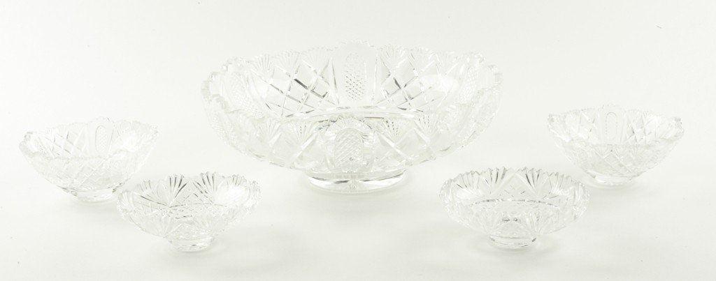 12: A SHEFFIELD PLATED EPERGNE WITH CUT CRYSTAL BOWLS E - 6