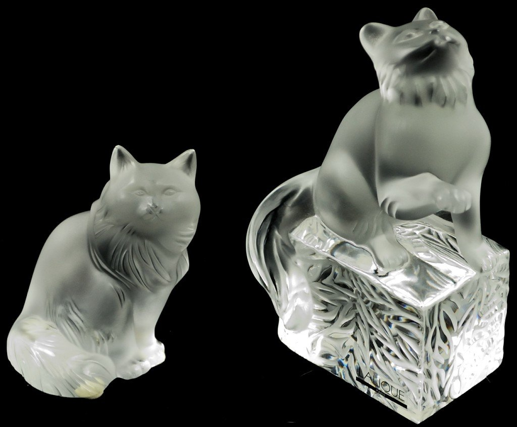16: A LOT OF TWO LALIQUE CRYSTAL CATS France Condition: