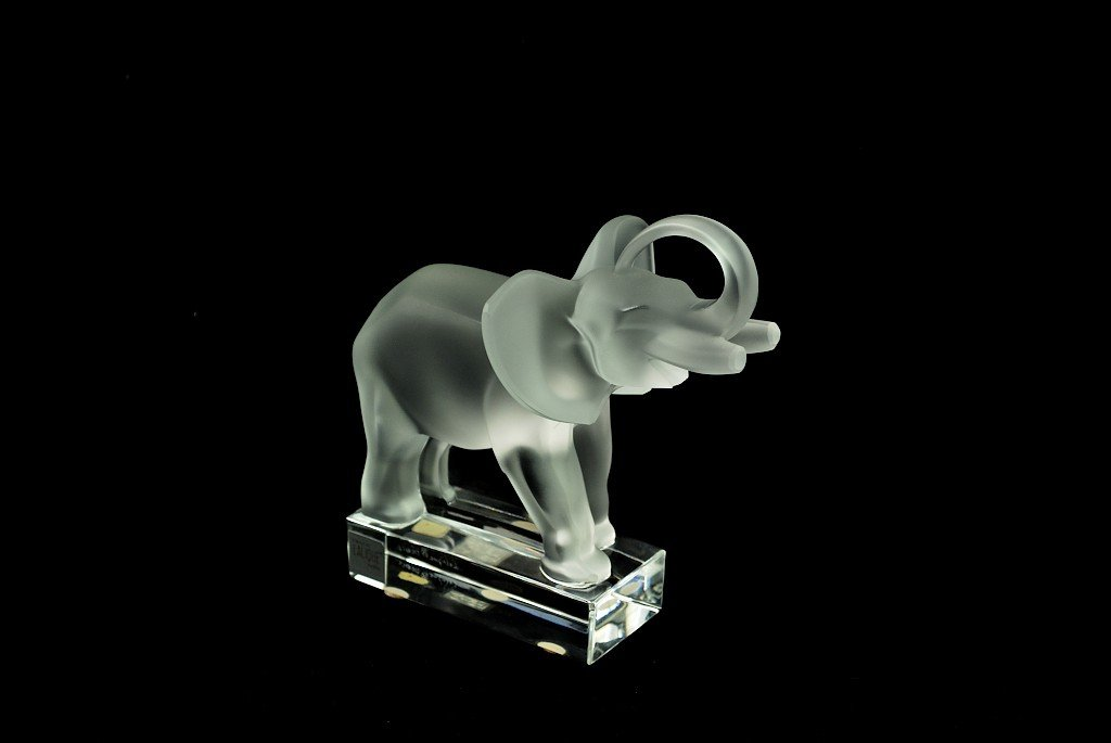 20: A LALIQUE ETCHED CRYSTAL ELEPHANT France Condition: