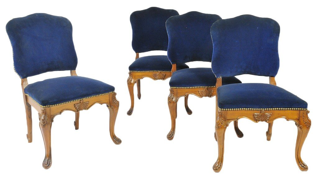 18: A SET OF LOUIS XV INSPIRED SIDE CHAIRS IN SAPPHIRE