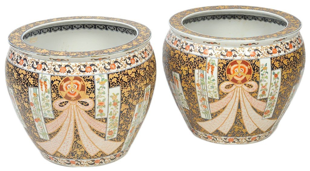 25: A PAIR OF LARGE CHINESE JARDINIERE IN BLUES AND RED