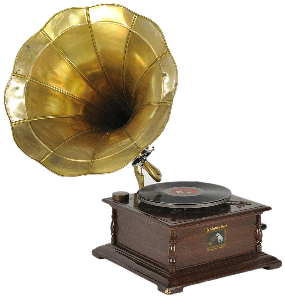 18: A 1920's VINTAGE GRAMOPHONE IN EXCELLENT WORKING CO
